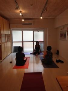 がんサバイバーとサポーターのためのヨガクラス by Adhyatma Yoga @ Atelier101(アトリエ101) | 川崎市 | 神奈川県 | 日本